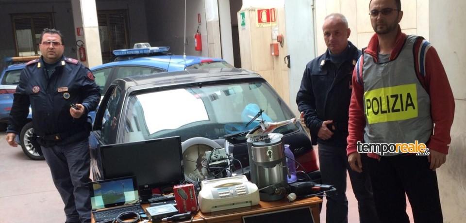 Minorenne alla guida di auto rubata con refurtiva, inseguito dalla Polizia