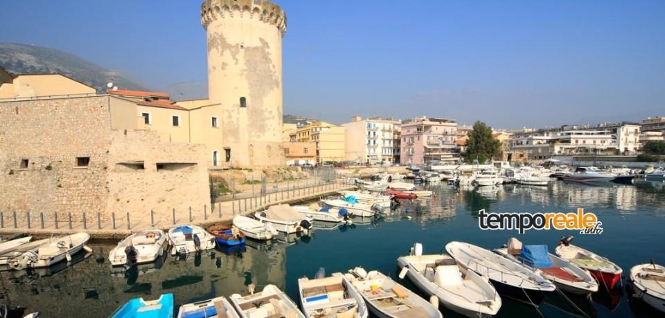 """Formia / """"Assenze"""", inaugurazione della mostra fotografica di Mario d'Onofrio alla Torre di Mola"""