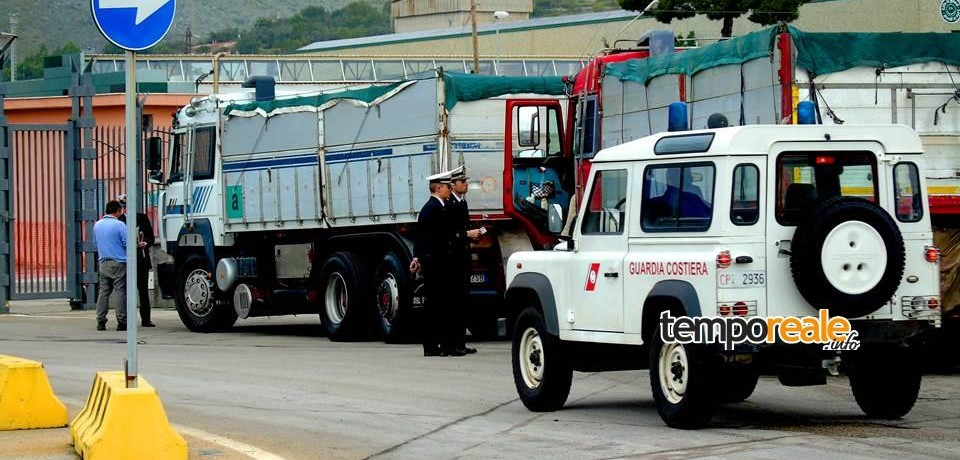 Controlli della Capitaneria di porto di Gaeta: elevata sanzione per resti di solfato di sodio