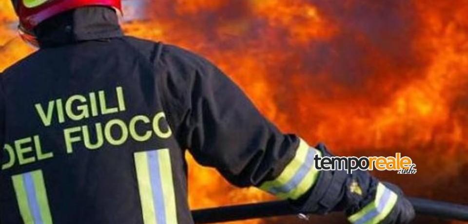 Ventotene / Vasto incendio distrugge due capannoni agricoli