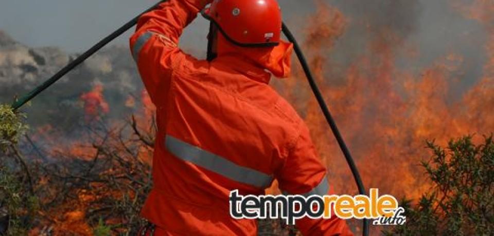 Spigno Saturnia / Incendio all'interno del Parco dei Monti Aurunci