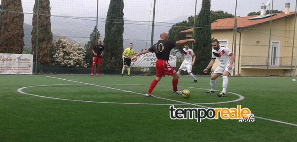 Calcio a 5 /  Il DLF Formia stravince contro il Real Fondi in una stagione brillante