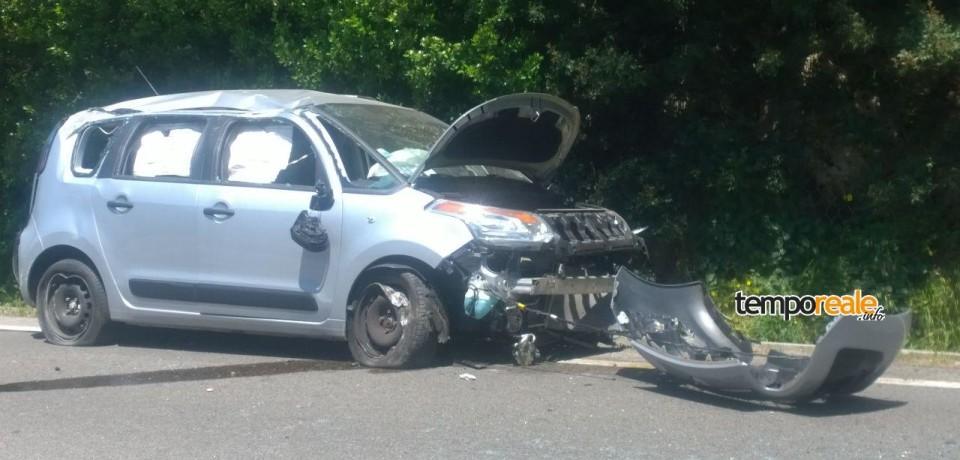Gaeta / Incidente sulla Flacca, si capovolge l'auto: ferita una donna di 66 anni