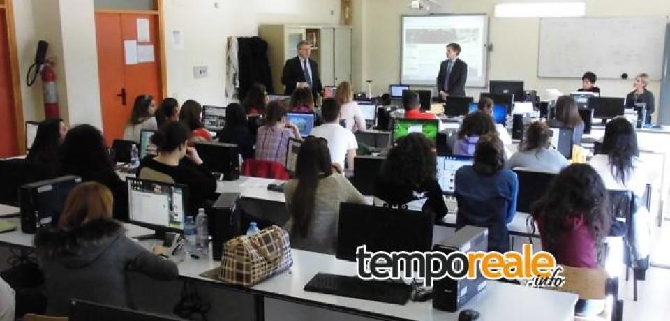 """Fondi / Gli studenti dell' ITE """"de Libero"""" diventano tecnici del turismo realizzando pacchetti per i propri coetanei"""
