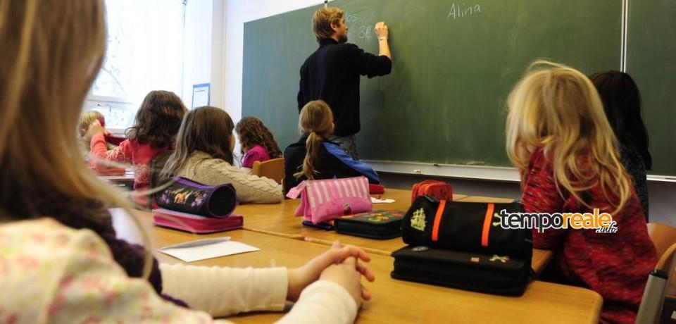 """Formia / Rifondazione Comunista: """"No al contribuito scolastico volontario"""""""