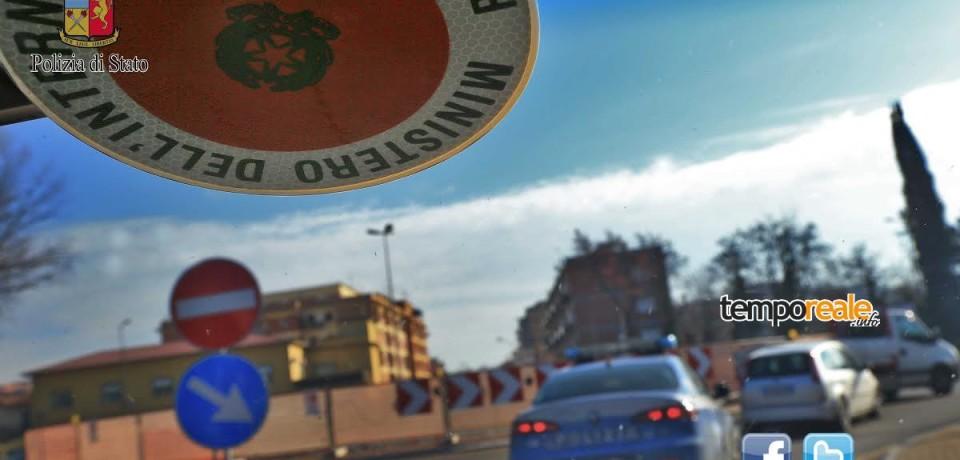 Cassino/ Lancia un sasso contro una macchina, 28enne denunciato per danneggiamento
