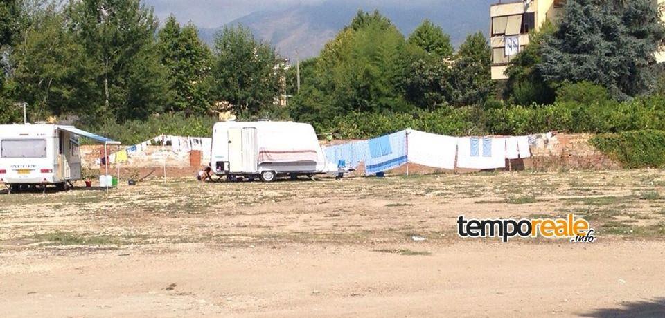 Minturno / Sgomberata l'area Sieci dai camper: l'intervento dei vigili urbani