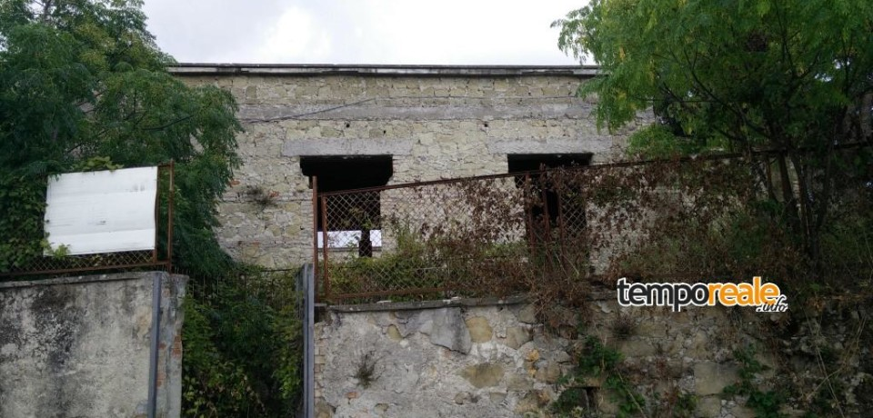 Minturno / Ex Casa del Contadino, spunta una presunta proprietaria