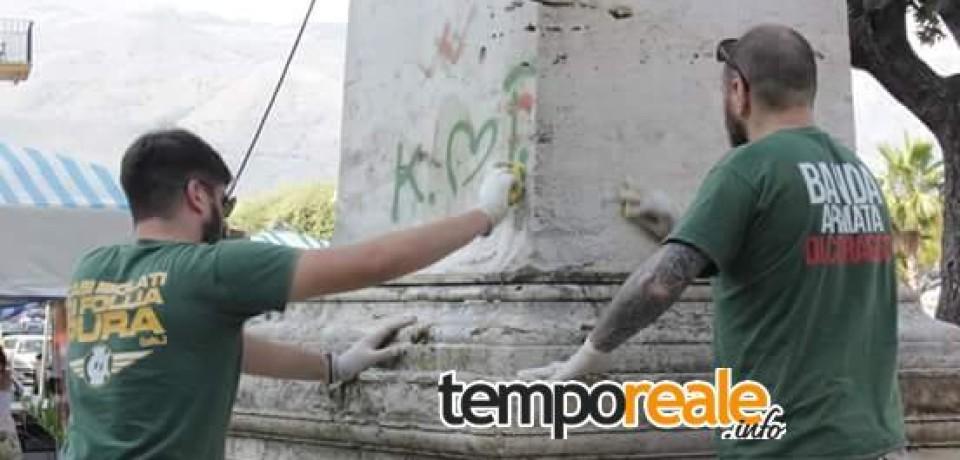 Gaeta / Militanti di CasaPound riqualificano il monumento ai caduti di Villa delle Sirene