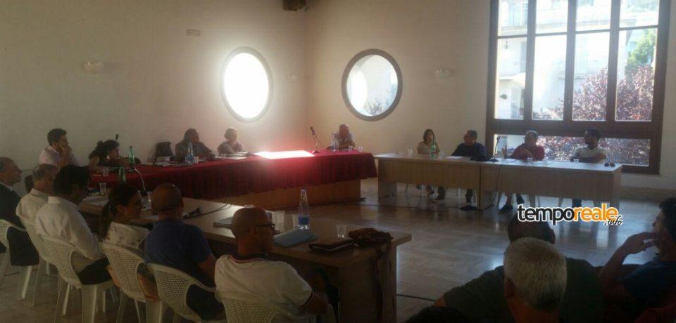 Itri / Le opposizioni denunciano l'incompatibilità di due consiglieri comunali