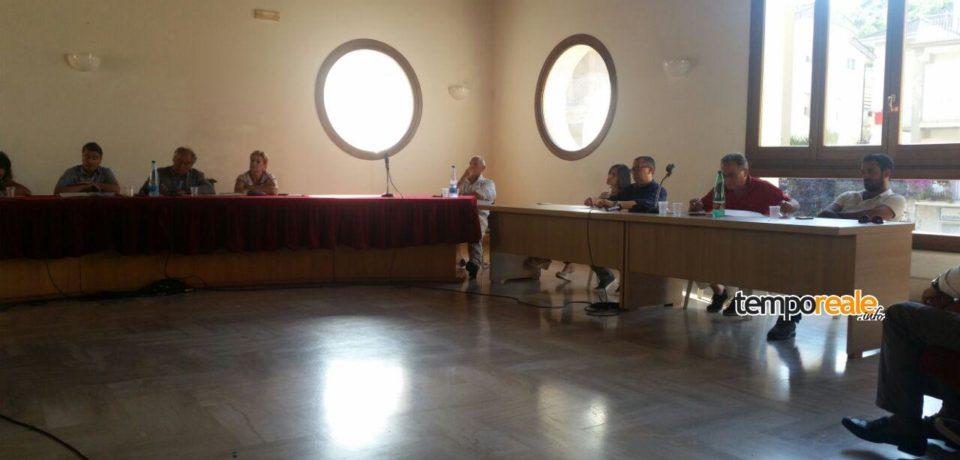 Itri / Le opposizioni costringono al passo indietro il consigliere Punzo e l'assessore Colucci