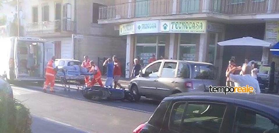 Scauri / Scontro tra auto e scooter, traffico in tilt sulla Via Appia