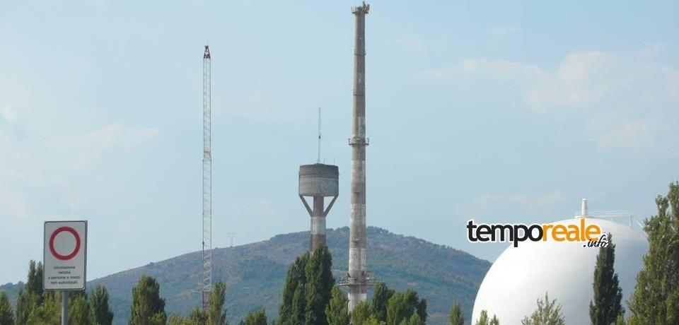 Nucleare, iniziati i lavori preliminari per l'abbattimento del camino della Centrale del Garigliano