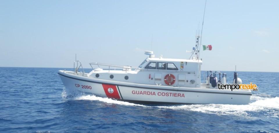 Ponza / Allarme caduta passeggero del traghetto Genova-Palermo