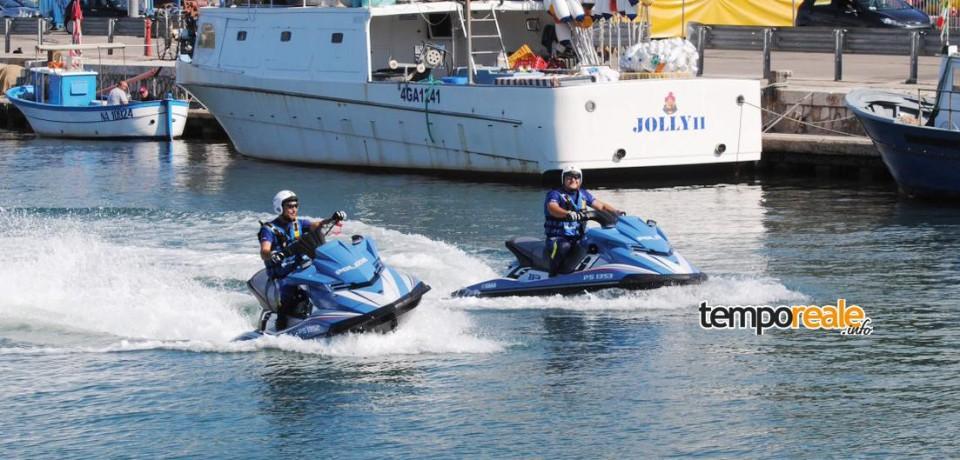 Gaeta / Controlli serrati sul territorio, Polizia esce con le moto d'acqua