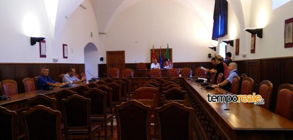 Minturno / Bilancio, la maggioranza non si presenta in consiglio: è finita per l'amministrazione Graziano