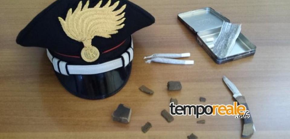 Cassino / Controlli antidroga sui bus degli studenti, trovato hashish e un coltellino