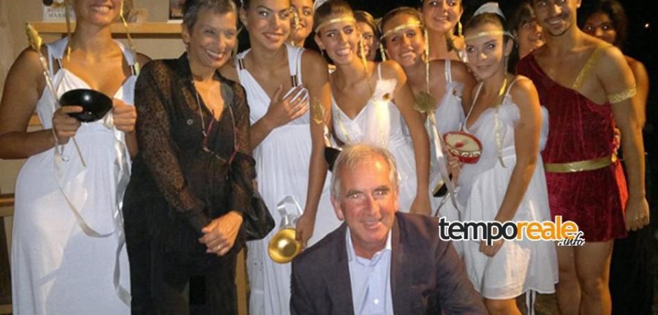 """Formia / """"Una serata con Cicerone"""", oltre mille persone per ascoltare Robert Harris"""