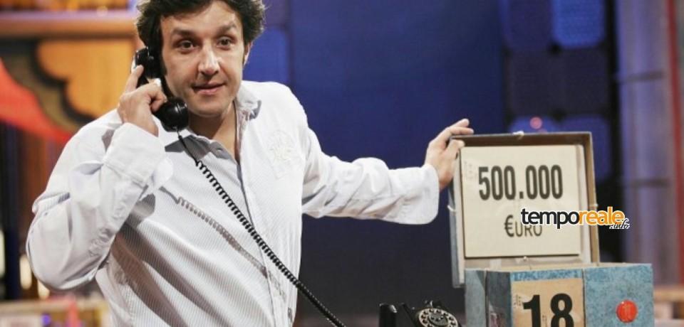 """La Banda di Ventotene festeggia i 30 anni ad """"Affari Tuoi"""""""