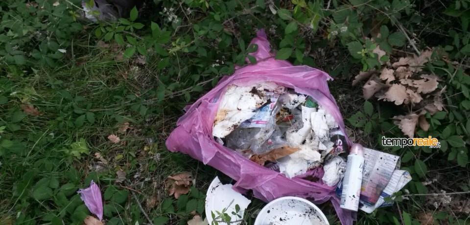 Santi Cosma e Damiano / Getta i rifiuti in strada, multato 55enne di Castelforte