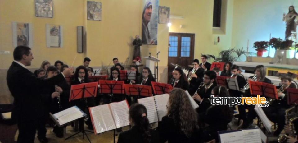 Minturno / Le congratulazioni del commissario Strati alla Piccola Orchestra di Fiati Proia per la Bacchetta d'oro
