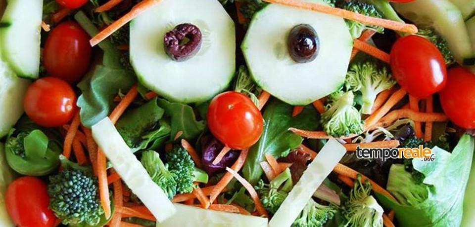 Minturno / Incontro sull'alimentazione consapevole alla Scuola De Santis