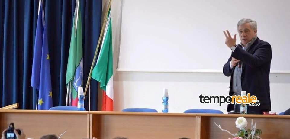 Minturno / Il Liceo Alberti a lezione d'Europa con Antonio Tajani