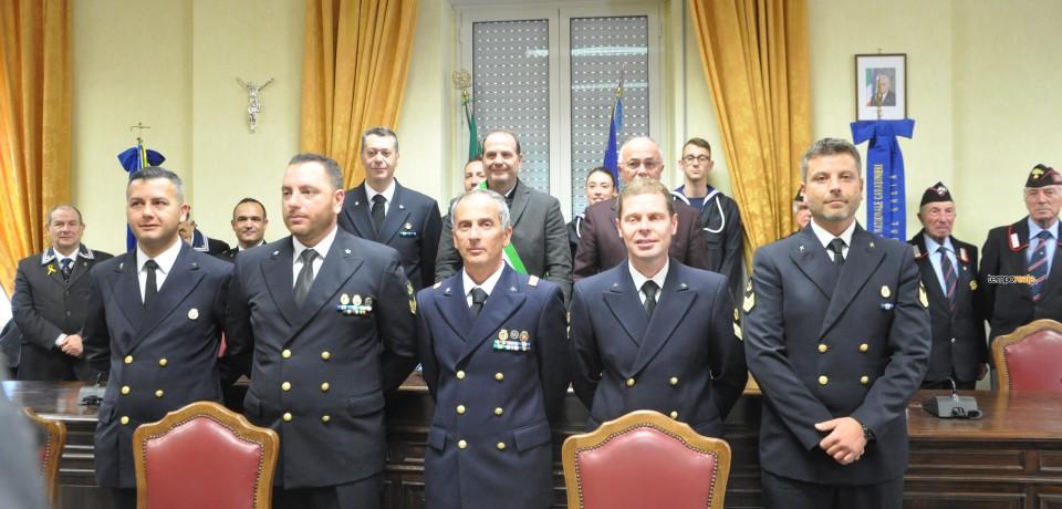 Gaeta / Il sindaco Mitrano elogia i cinque militari che hanno tratto in salvo 321 migranti nel Mediterraneo