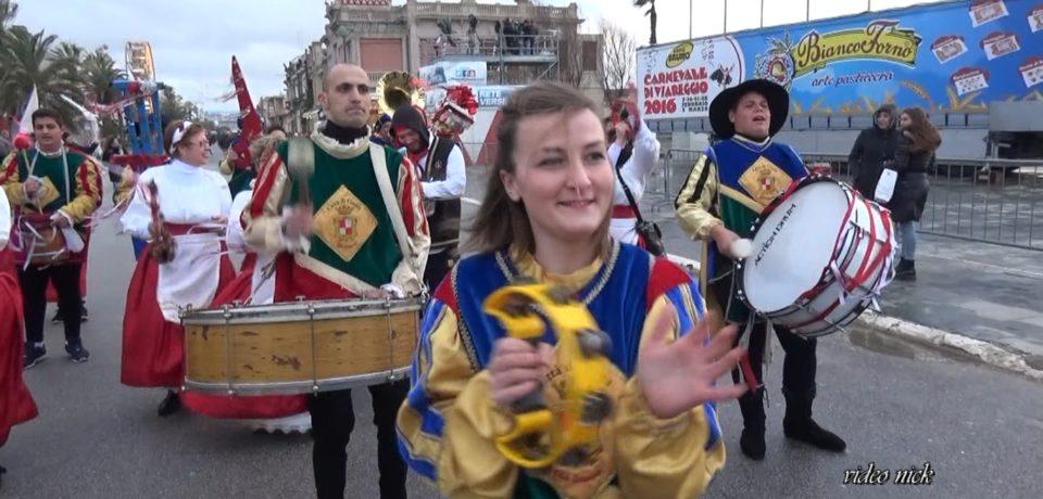"""Gaeta / Lo Sciuscio arriva fino al Carnevale di Viareggio con """"Enrico e gli altri"""""""