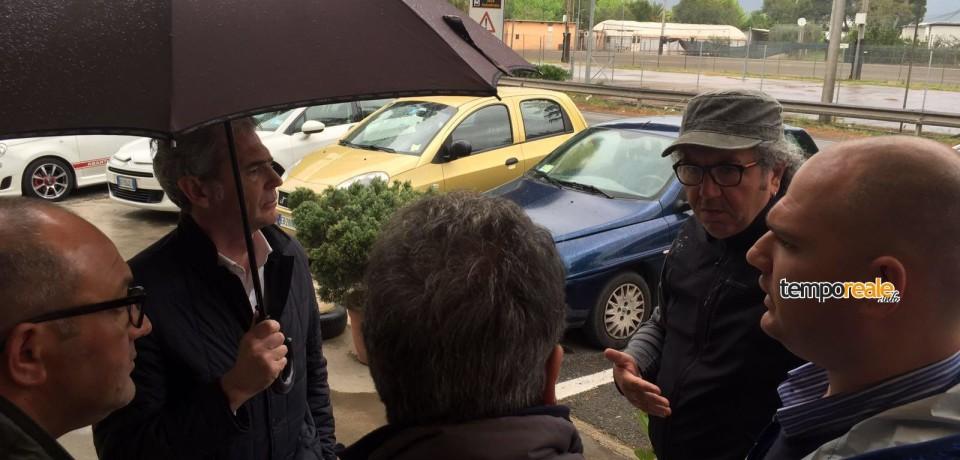 """Latina / Aviointeriors, smantellata la tenda dei lavoratori licenziati. Alessandro Calvi: """"Azione gravissima"""""""