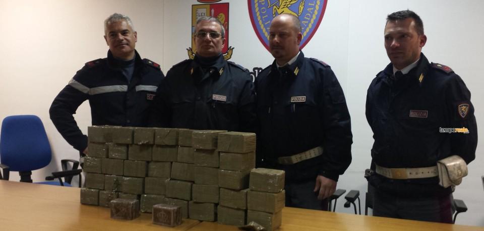 Cassino / In viaggio con 40 kg di hashish, arrestato 25enne in autostrada