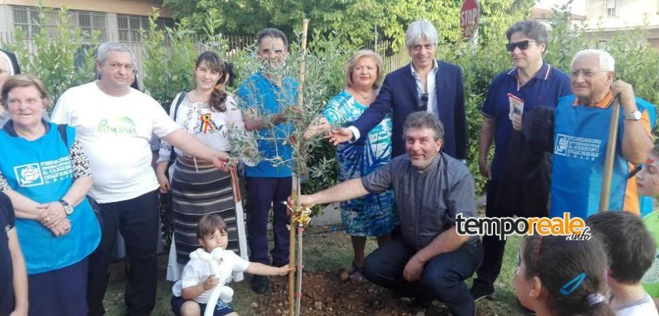 """Frosinone / Festa nella sede della fondazione """"Il giardino delle rose blu"""""""