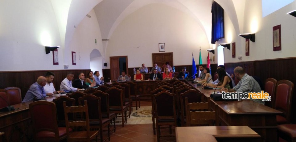 Minturno / Consiglio comunale: no alla mitilicoltura. Prime scintille con l'opposizione
