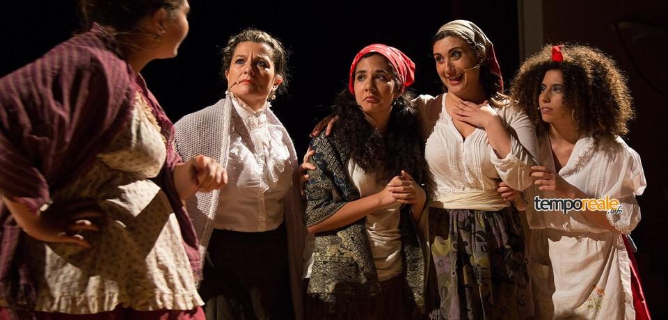 """Cassino / I """"Fantasmi e pazzi"""" del Cut conquistano il Teatro Manzoni ricordando Pirandello"""
