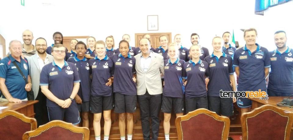 Minturno / Il sindaco Stefanelli riceve la nazionale under 16 femminile di Pallavolo