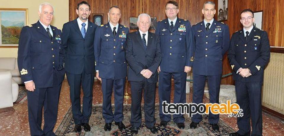 Latina / Cerimonia di avvicendamento tra il Generale di Brigata Aerea Giuseppe Sgamba e il Col. Vincenzo Falzarano