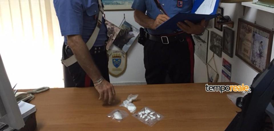 Scauri / Beccato pusher con oltre 35 grammi di cocaina, arrestato 36enne albanese