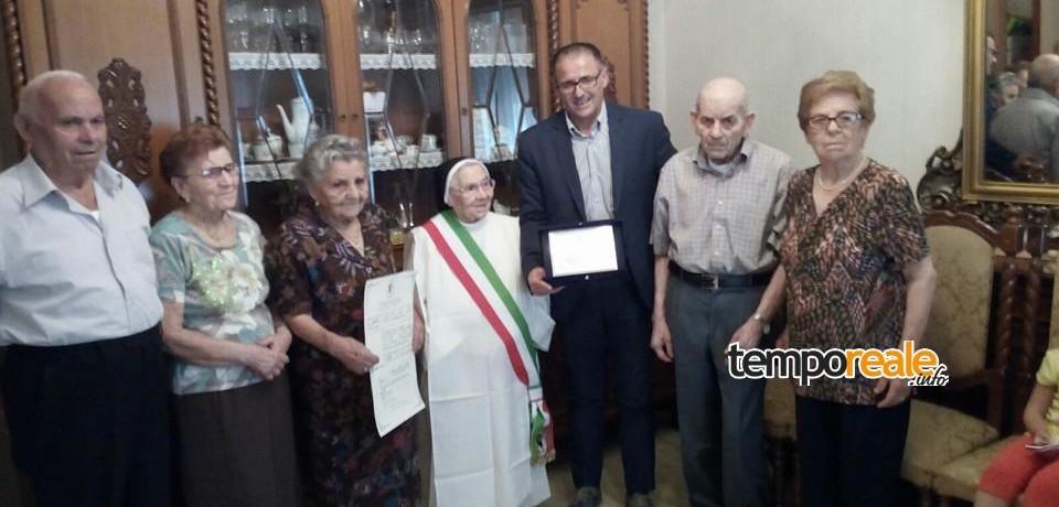 Aquino / I primi cento anni di suor Amedea, gli auguri del sindaco Mazzaroppi