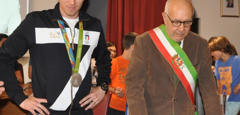 Formia / L'olimpionico Salvatore Rossini riceve la medaglia d'oro
