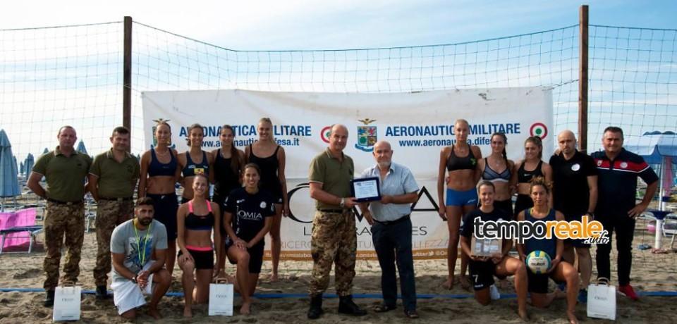Pallavolo / La squadra femminile Omia di Cisterna si allena al Distaccamento A.M. di Foce Verde della 4ª Brigata Telecomunicazioni