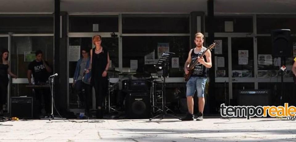 """Latina / I Rockeros dell'Istituto San Benedetto al concorso """"Musica contro le mafie"""""""