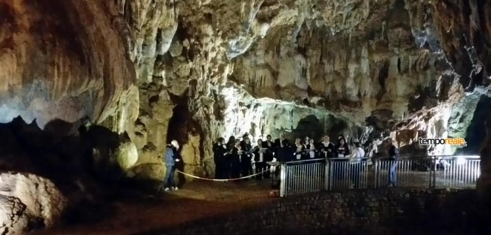Pastena / Notte bianca alle grotte, buona la prima