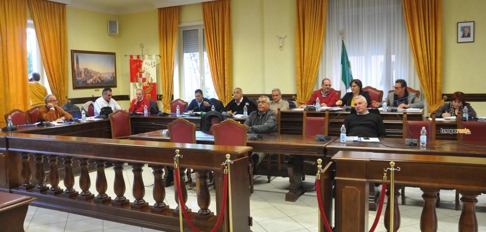 Gaeta / Matarazzo diffida presidente e segretario, ma il consiglio si fa lo stesso