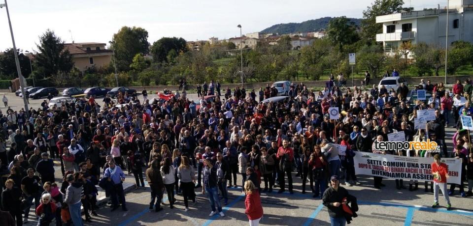 Minturno / Pendolari, in 700 a manifestare contro i nuovi orari dei treni