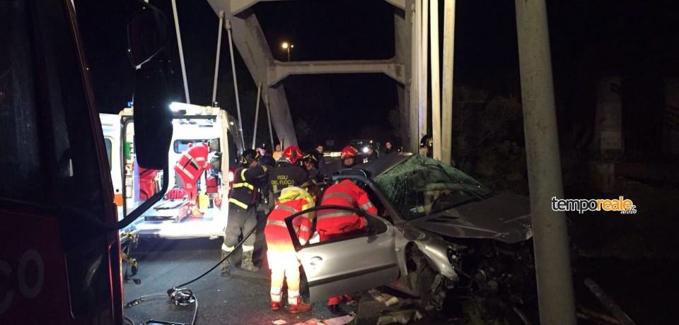 Minturno / Perde il controllo dell'auto sul Ponte del Garigliano, muore 26enne di Cellole