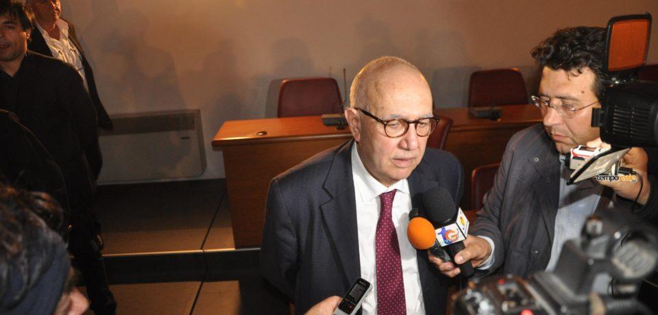 Pontile Eni, scontro tra due ex sindaci: Bartolomeo replica a Magliozzi