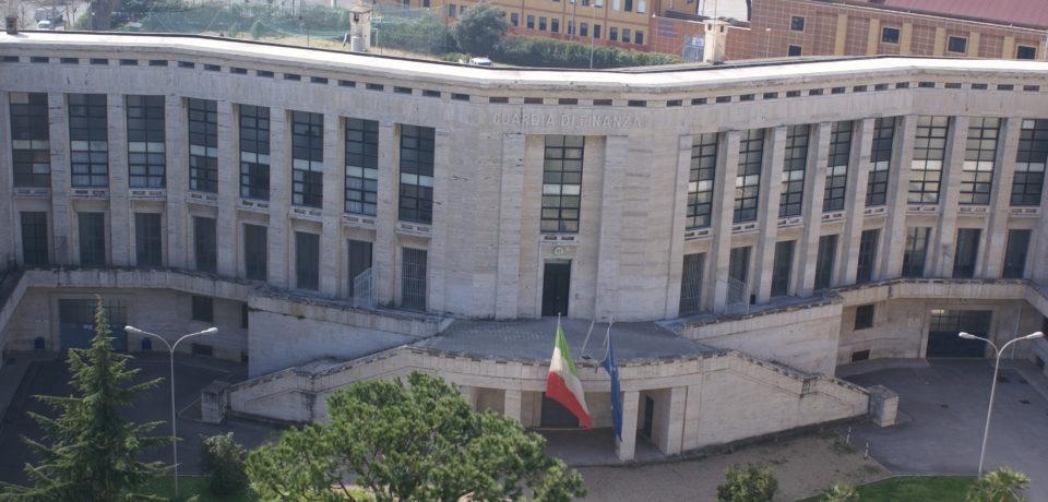 Latina / Truffa aggravata, sospesi 3 dipendenti del provveditorato agli studi