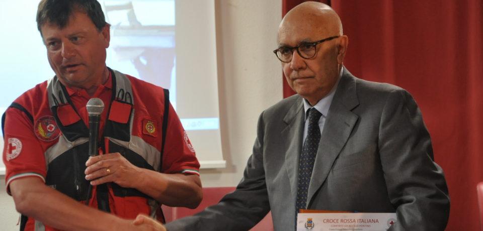 Formia / Salvò un bimbo di 5 anni, premiato insieme ai volontari Cri dal sindaco Bartolomeo