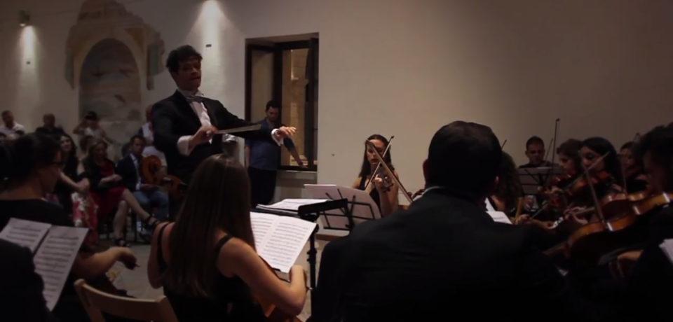 Minturno / Orchestra Ars Minturnis, la recensione di Virginia Fiorini sul concerto sinfonico al Castello Baronale