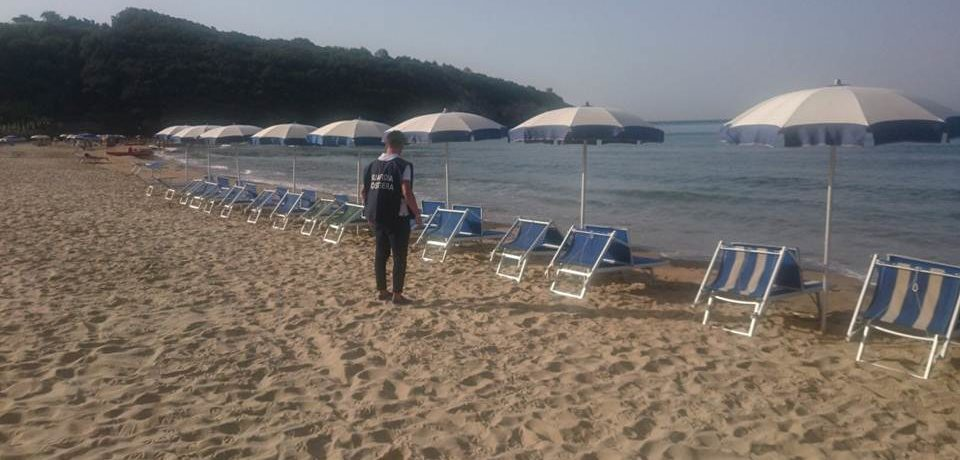 Gaeta / Spiaggia di Sant'Agostino, maxi operazione contro l'occupazione abusiva